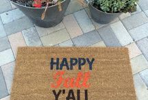 Fall Home Decor / Fun + Easy Fall Decor Ideas for your house and porch!