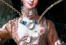 Mariona G. Camí / Les joies de la Mariona són una magnífica combinació de subtilesa i feminitat. La seva sensibilitat fa que les combinacions harmonitzin perfectament, i fins i tot en els atreviments troba un punt just d'elegància.