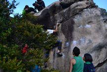 ESCALADA / Buenos momentos con los parceros en la montaña junto a la roca, escalada deportiva y boulder en diferentes lugares en colombia.