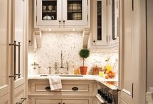 Small kitchens || Chic Living Clique