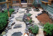 Giardini piccole: pavimenti misti / Pocket Garden, pavimenti rustiche e non, legno, pietra.