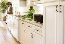 Kitchen / by Courtney Waterman