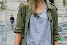 Grey t-shirt outfit