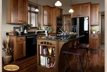 Comfortable Family Home - Showplace Cabinets / Pendleton SPW Door Style