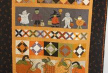 Quilts ~ Halloween / by Anna Quilting & Wool