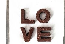 Food Amour / Indulge in your love for food!