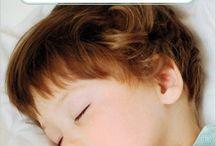 Bons plans de maman / Bons plans de maman en lien avec bébé sur différentes thématiques du quotidien : repas, dans l'eau, dodos, soins, bobos, éveil. jeux, éveil. croissance, langage,... Des idées de jouets, de jeux, de livres à tout âge et pour toutes les saisons !  Blog : http://petitsmotsdemaman.com/