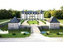 Wedding Venues Near Paris / Wedding in France - wedding planner agency will organize your wedding in France in amaizing wedding venues: chateau near Paris, wedding venues in Paris, wedding venues in French Riviera, wedding venues in provence, wedding venues in Loire Valley.