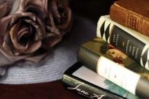 Books Worth Reading / by Lydia Rosado