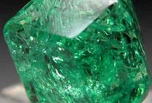 Gemstones : Garnet