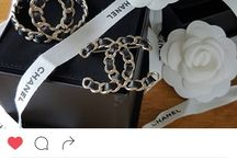 Broches Chanel