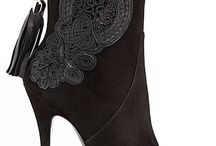 Boots / Boots and booties for women.