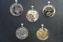 Marion Scherzberg / Ich schenke alten defekten mechanischen Uhren ein neues Leben in Form von einzigartigen Schmuckstücken.  https://www.facebook.com/pages/Zeitlos-MS-Design/575025722515569