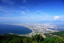 Strände Vietnams / Die Vietnam Strände sind ein Paradies für jeden badefreudigen Vietnam-Urlauber. Wer Urlaub in Vietnam macht, will auch die weißen Sandstrände mit strahlend blauem Meer genießen. Jeder der Trauminseln Vietnams glänzt mit ihren Traumstränden. Damit Sie mehr über die schönsten Strände in Vietnam  erfahren, stellen wir Ihnen die beliebtesten Badestrände Vietnams vor.