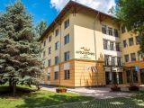 Hotel és a park / Az Alföld Gyöngye hotelt 50 hektáros park veszi körül, ahol rengeteg program és mérhetetlen nyugalom várja az odalátogatókat.