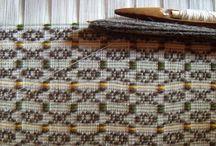 Lavorazione e tessuti sardi / Una rappresentazione di quella che è la lavorazione dei tessuti sardi, dei suoi disegni e colori. Un ricordo delle tradizioni che si portano avanti con tanto orgoglio.