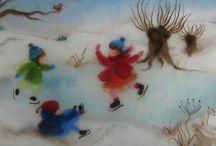 Wol-schilderijen Antroposofisch / Kleurrijke 'schilderijen' van sprookjeswol, met antroposofische afbeeldingen van seizoenen, jaarfeesten of sprookjes