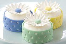 Cake Decorating / by Leann Bond