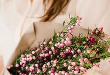 Best Flowers for April Weddings