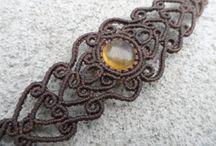 Bracelets en macramé