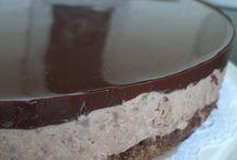 Taivaallinen suklaamousse kakku