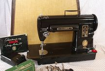 I <3 Vintage Sewing Machines / Just recently realized how seductive VSM are!