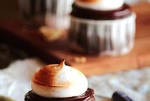 cakes/cupcake / by Julie Redmond