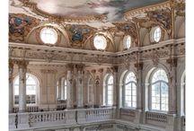 Старинное, заброшенное / парадные, лестничные холлы, замки, дворцы, роспись