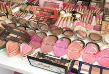 Women Makeup Kits