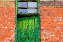 Dörrar och grindar