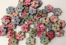 Botoes em mdf a venda. / Botões em Mdf revestido com tecidos, ideal para decoração de caixas quadros..bonecas etc....