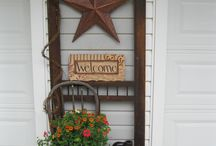A welcoming porch / Welcoming family and friends...