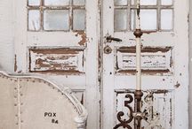 Shabby chic with Louis de Poortere / Louis de Poortere is a beautiful compliment to the shabby chic style.