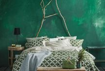 Dark green bedroom / dark green bedroom, both chic and gipsy ... in search of inspirations for my own bedroom to renew