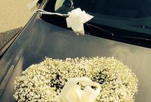 Wedding car flower decorations / Flowers Decorations Wedding car Brides car