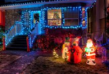 Louisvillie's Holiday Lights / The holiday season is in now full swing, which means that masters of interior and exterior illumination have already been hard at work decking the halls and stringing up lights on any available surface — all roofs, trees, windows, and shrubs must be covered! Here are some great local places to take in spectacular lights and participate in festively fun activities with your little ones.