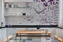 Wallpaper / Per i nostri progetti scegliamo i migliori materiali, come la carta parati d'autore Wall&Decò, che propone numerose soluzioni eleganti, resistenti e lavabili.