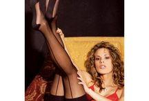 Medias sexys / Diferentes modelos de medias, para elegir las más apropiadas para cada ocasión: medias lisas, de rejilla, con lazos, estampadas, con costura, con ligas de encaje, con bandas de sujeción...etc. Todas muy femeninas y sensuales.