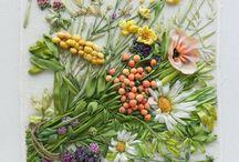 Květy - výšivky, háčkování,...