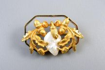 Antique and vintage brooch pins