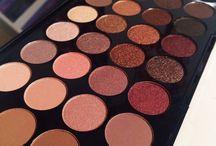 Makeup. / organization ,makeup brushes, makeup