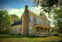 Old Homes / by Dianne Jerguson
