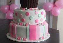 Cute Cakes / by Dawn Petitt