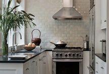 Small Kitchen Inspiration / Minimal Clutter, Maximum Efficiency!