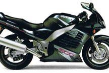 Suzuki RF900R / Suzuki RF900R LE 1994