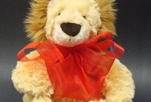 Valentine's Day Gifts / Great gift to give someone special this Valentine's Day, Courage the Lion. He is soft and very cuddly.