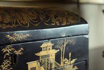 Chinoiserie - kinesiska lack askar, poslin och annat