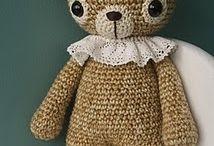 Crochet/knit / by Suzanne Hewitt-Linskens