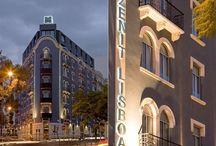 Zenit Lisboa / Bienvenido al Hotel Zenit Lisboa****, construido sobre la base de un edificio catalogado de primeros de Siglo. Estamos situados en el centro de Lisboa, junto a la Plaza Saldaña, la Plaza Marqués de Pombal y la Avenida Liberdade a la que accedes dando un agradable paseo por esta maravillosa ciudad llena de encanto. Avd. 5 de Outubro, 11 050047 Lisboa, Portugal Teléfono: +351 21 310 2200 lisboa@zenithoteles.com http://lisboa.zenithoteles.com