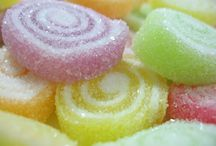 Halal Gelatine / HALAL GELATINE has no flavor of its own and contains no sugar, unlike many flavored gelatines which contain  mostly sugar as well as artificial flavors and  colors.